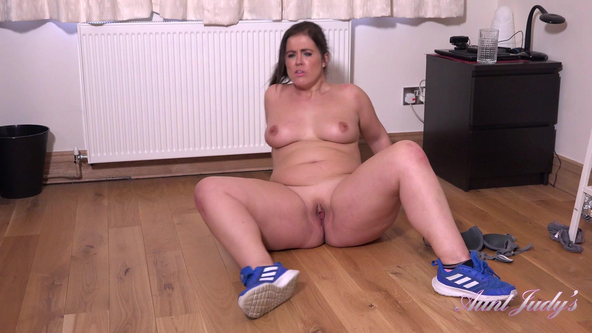 Fake Tits Masturbation Hd